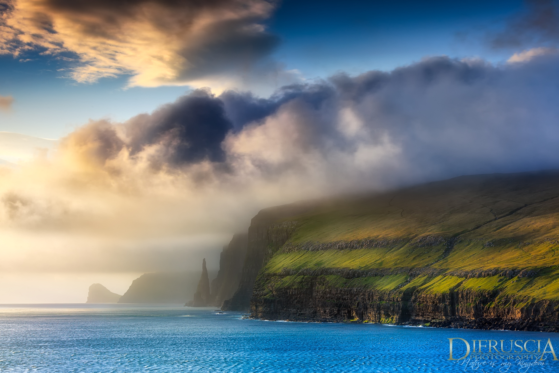 Fine art photography, Nature photography, Limited edition prints, unique edition prints, Photo Tours, Workshop, Di Fruscia, Timecatcher, Master landscapes, landscape photographer, nature photographer, Faroe Islands, Landscape Photography
